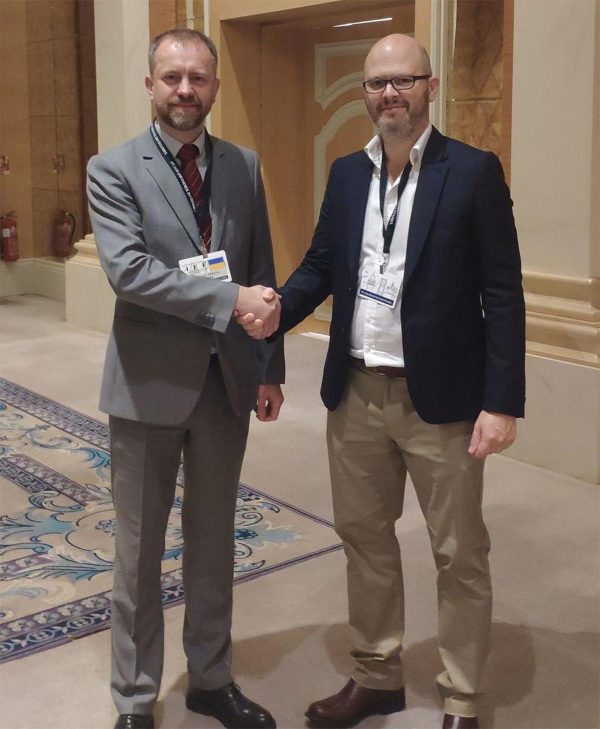 Владимир Федина (слева) и Пол Стокалл, директор IFF по вопросам стандартов и устойчивого развития