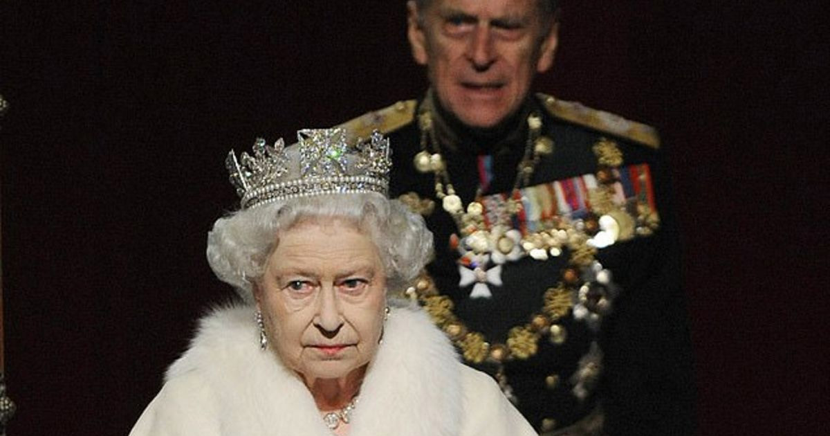 Королева Елизавета II не заявляла о своем отказе от натурального меха